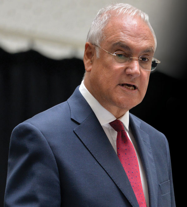 "Sir Michael Wilshaw: Teachers leaving for classrooms abroad is ""brain drain"" on talent"