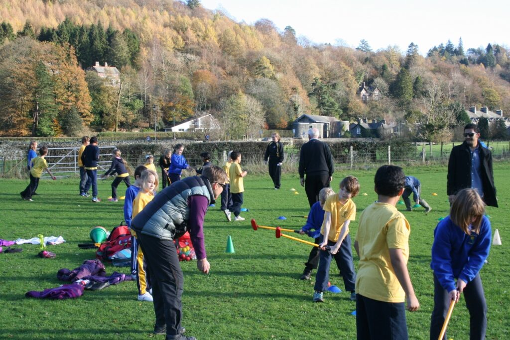 Fore! Golf lessons added to primary school's curriculum