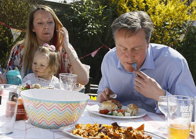 Government 'committed' to universal infant free school meals, Cameron confirms