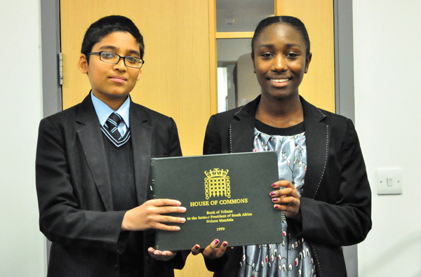 Pupils sign Mandela tribute