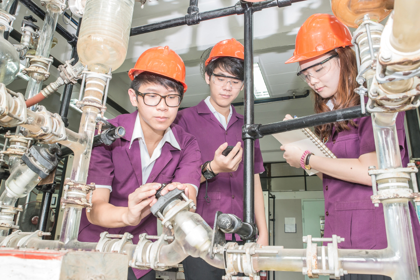Schools should guide pupils to engineering careers
