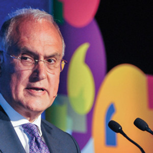 Ex-Ofsted chief Michael Wilshaw demands ban on phones in all schools
