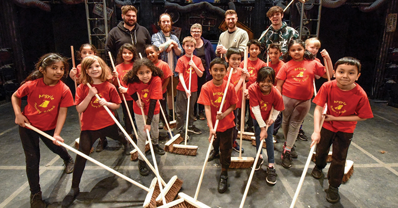Primary pupils join the West End cast of STOMP to boost fitness