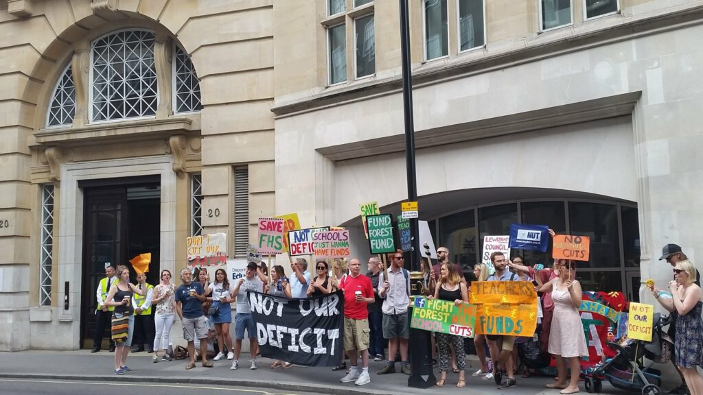 NUT staff at London school to strike outside DfE
