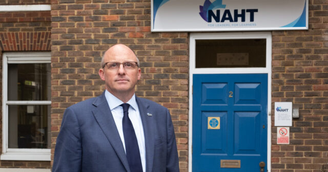 NAHT: 4 in 5 schools have pupils isolating because of lack of tests