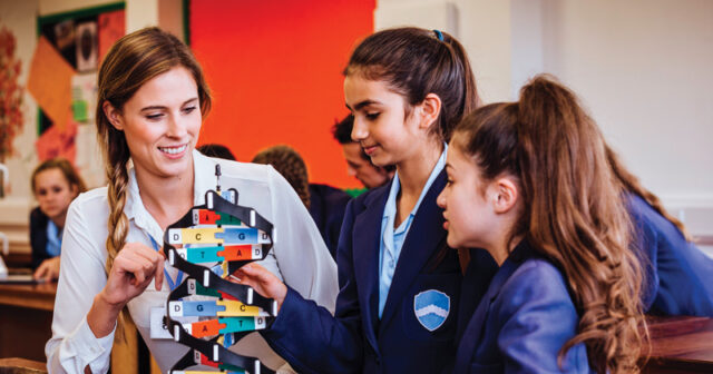 Seven ways to improve science teaching, according to the EEF