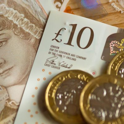 DfE recommends £26k starting salaries and 2.5% rise for heads