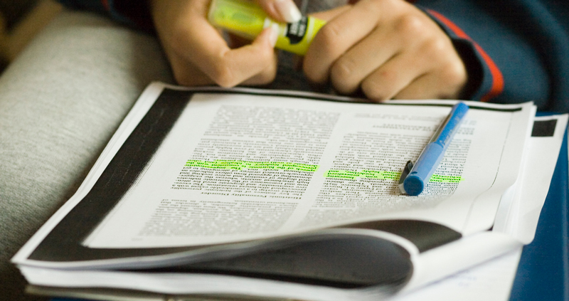 Do teachers need to read original research papers?